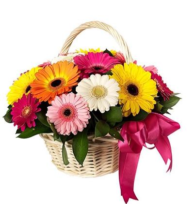 gül ve krizantem buketi Sepette Mevsim Çiçekleri